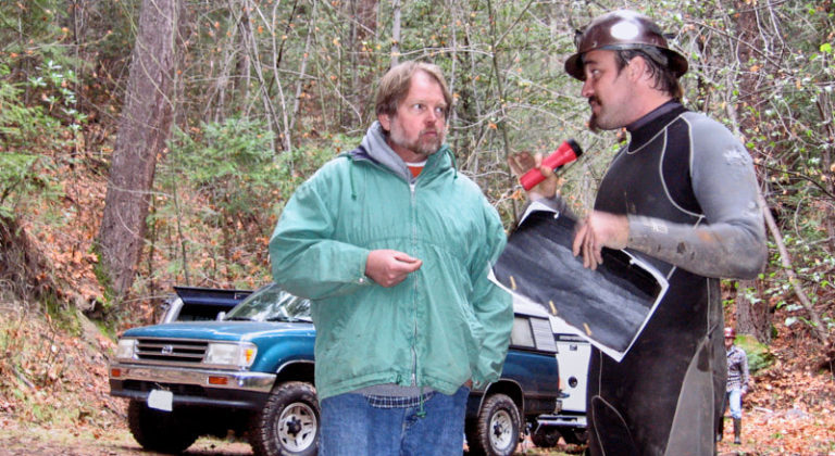Producer Larry Leahy and Director Tito da Costa making a balance of the shooting day.